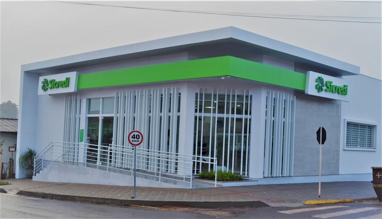 Sicredi reinaugura agência de Tapejara no Bairro São Paulo