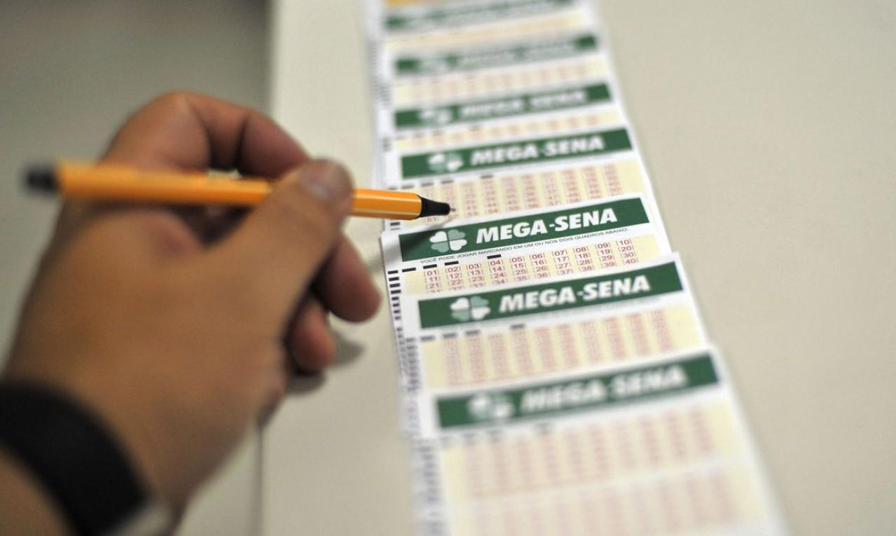 Mega-Sena acumula novamente e pode pagar R$ 60 milhões na quarta