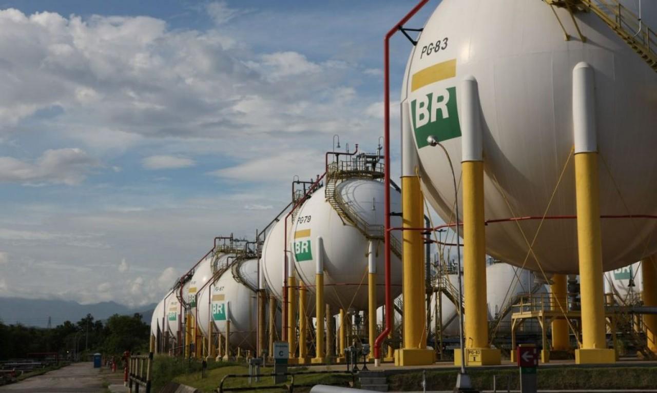 Governo brasileiro autoriza Petrobras a importar gás da Bolívia