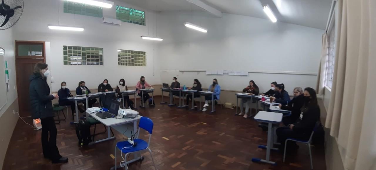 Professores de Santa Cecília do Sul participam de formação continuada