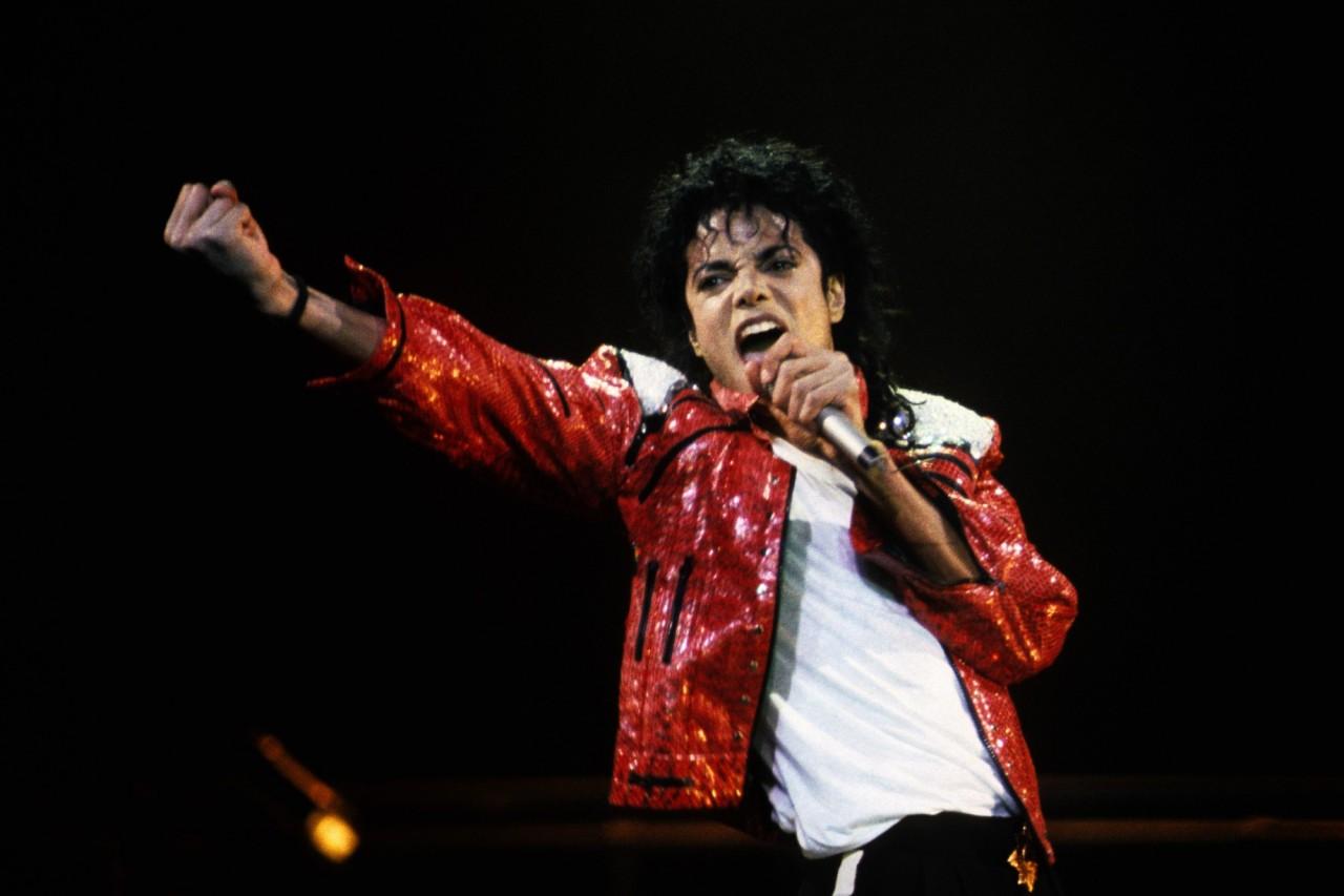 Documento raro de Michael Jackson é vendido por mais de R$ 400 mil
